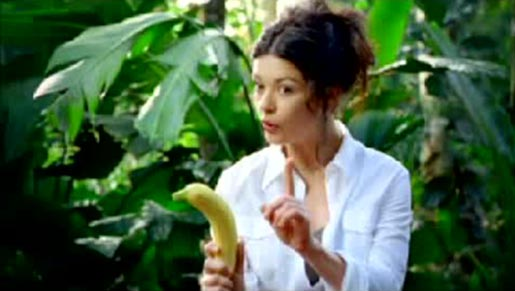 Catherine Zeta Jones with banana in Visa commercial