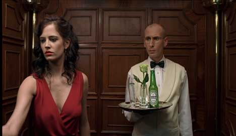 Vesper Lynd and waiter in elevator