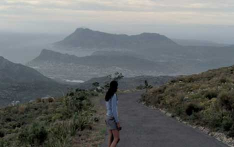 South African runner looks down over Capetown in Windows Vista TV Ad