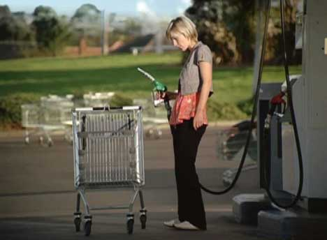 Woman refuels her trolley in Progressive Enterprises TV ad