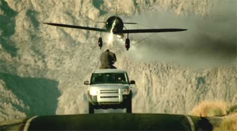 Airplane in Land Rover Discovery TV ad