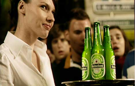 Waitress in Heineken Rugby World Cup TV ad