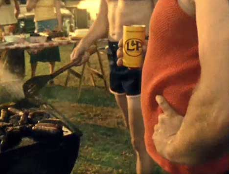 Stubbies and L&P at barbecue in New Zealand TV ad