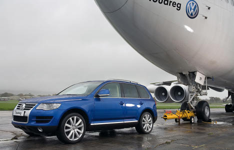 Volkswagen Touareg Pulls Boeing - The Inspiration Room