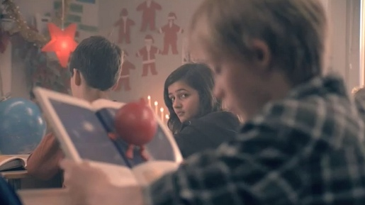 Mattilda in Posten Christmas commercial