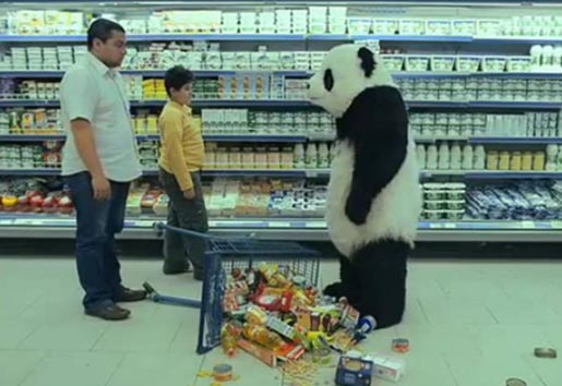 Panda with trolley in Panda supermarke ad
