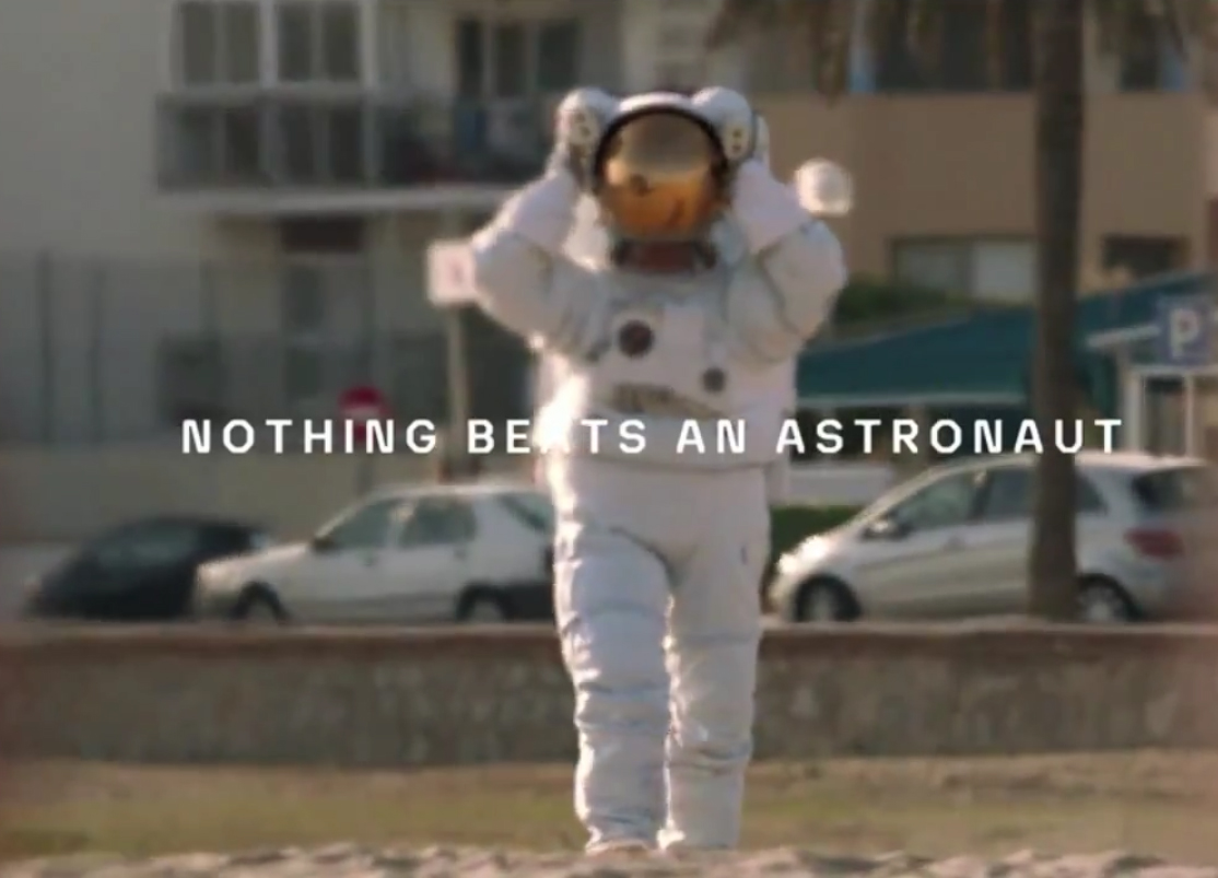 nothing beats an astronaut commercial -#main