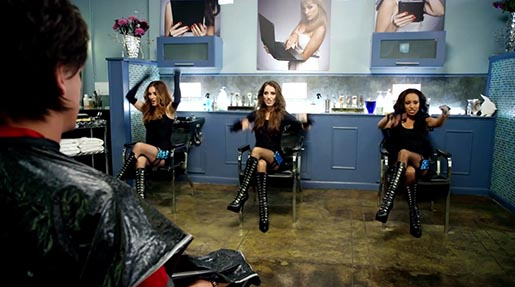 Hairdressers in DIRECTV Football on your phone commercial
