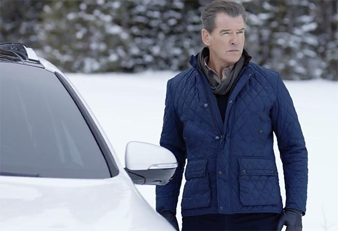Pierce Brosnan in Kia Perfect Getaway commercial
