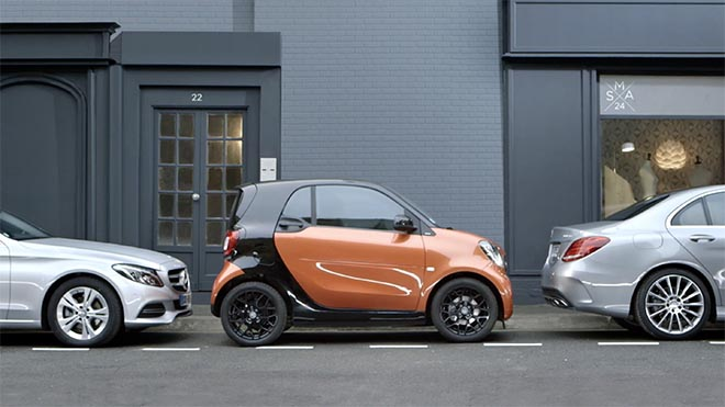 Smart Car ForTwo parking in Sorry ad