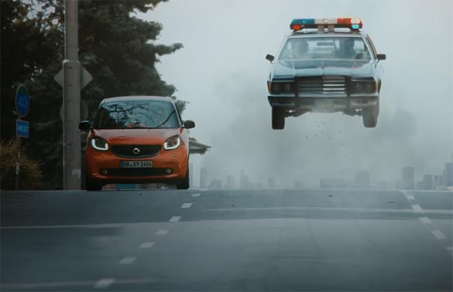 Smart Car Anything But Cliche in Epic Car Chase