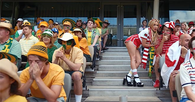 Cricket fans in Tourism Australia Matesong