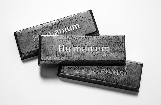 Humanium Metal bars