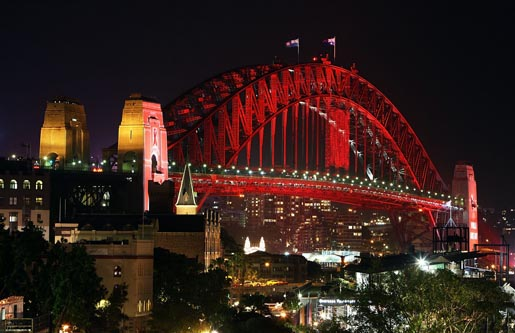 Sydney Harbour Bridge (red)