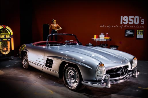 Natalie Wood in Mercedes Benz SL