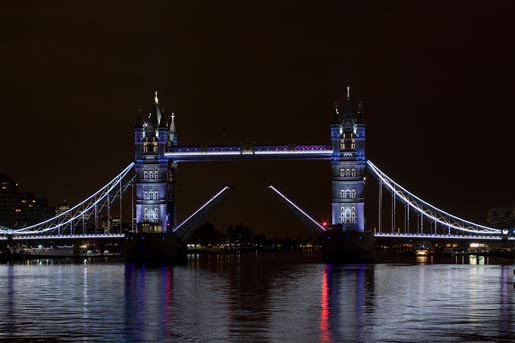 GE EDF Tower Bridge - photo by Richard Chivers