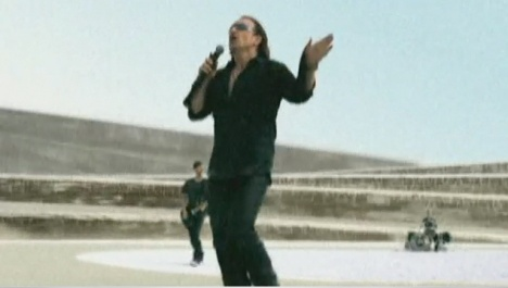 U2 with Vertigo effect