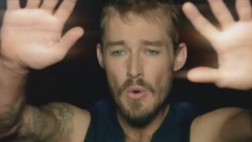 Daniel Johns in Silverchair Straight Lines music video
