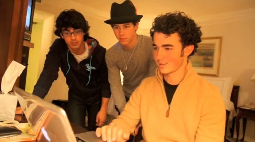 Jonas Brothers Bounce Music Video
