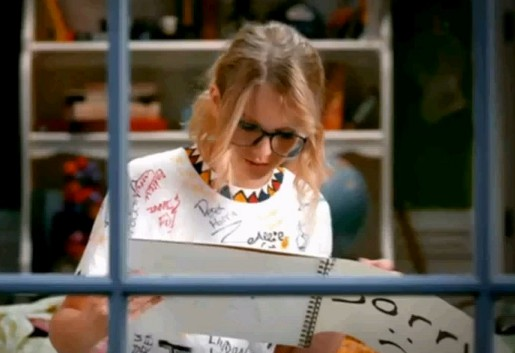 You Belong With Me Music Video. Swift plays both the nerdy blonde