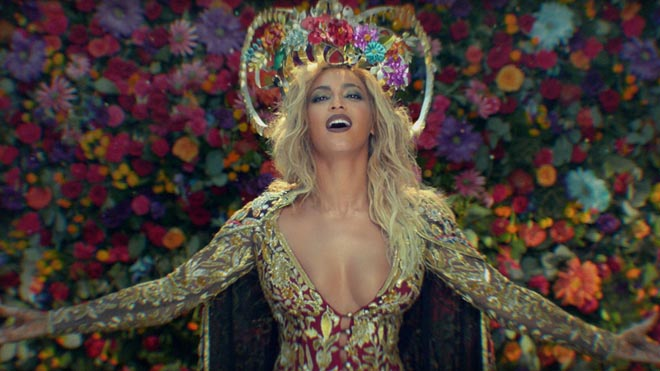 Coldplay Hymn for the Weekend with Beyonce