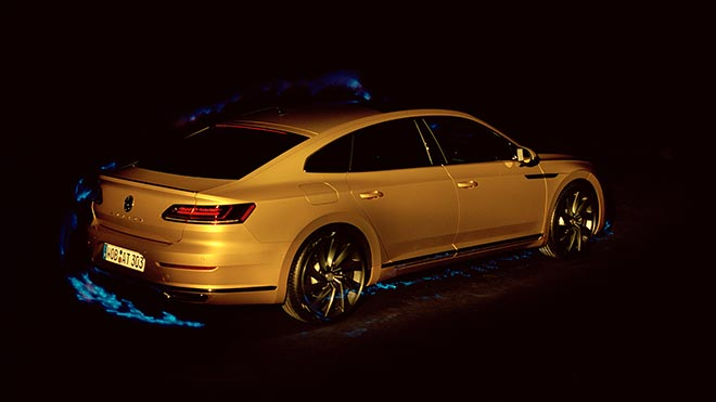 Volkswagen Arteon and blind photographer Pete Eckert