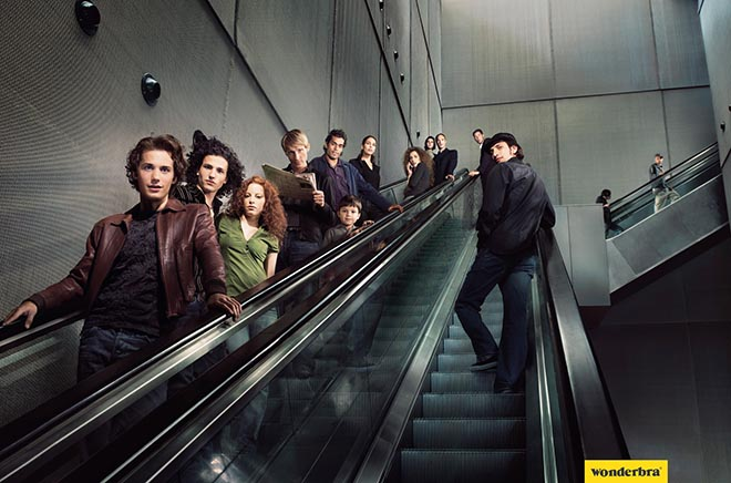 Wonderbra Escalator
