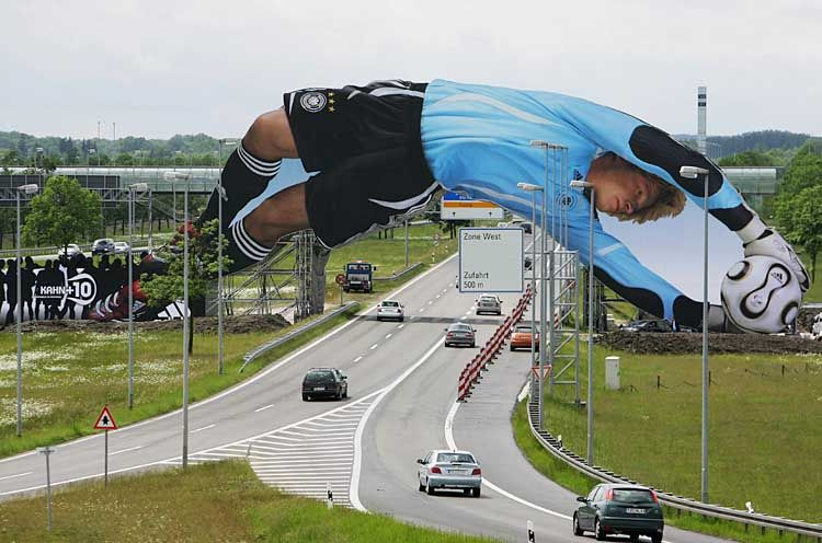 http://theinspirationroom.com/daily/print/2006/6/adidas_oliver_kahn_bridge.jpg