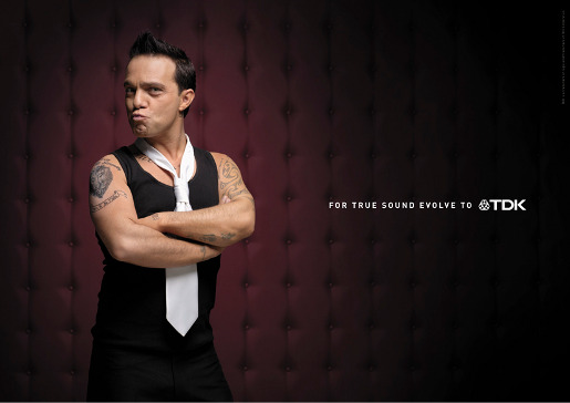 Not Robbie Williams in TDK print ad