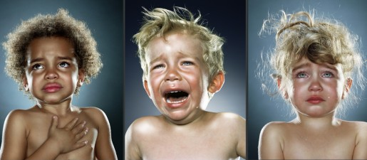 Crying children photographed by Jill Greenberg