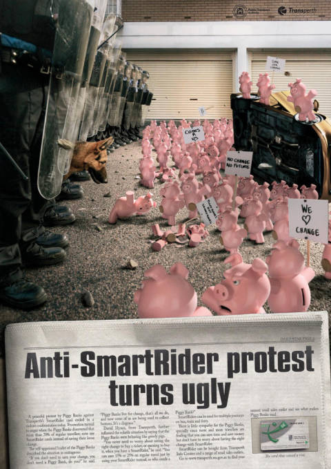 SmartRider print advertisement with protesting piggybanks