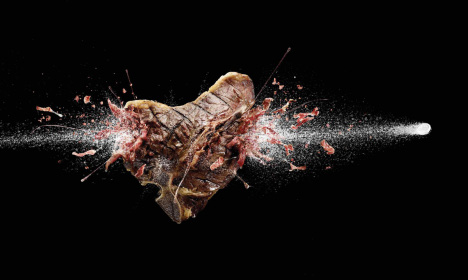 Steak sliced in Alka Seltzer print ad