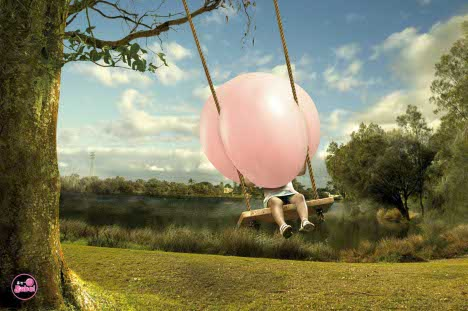 Big Babol Bubble in Swing