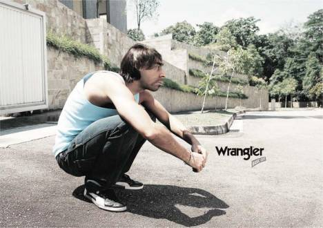 Neanderthal guy in Wrangler Jeans