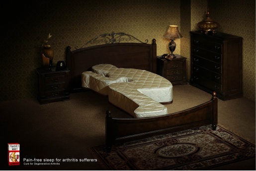 Viartril Bed print advertisement