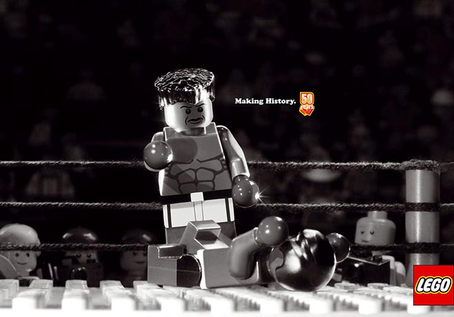 Lego Muhammad Ali and Joe Frazier bout