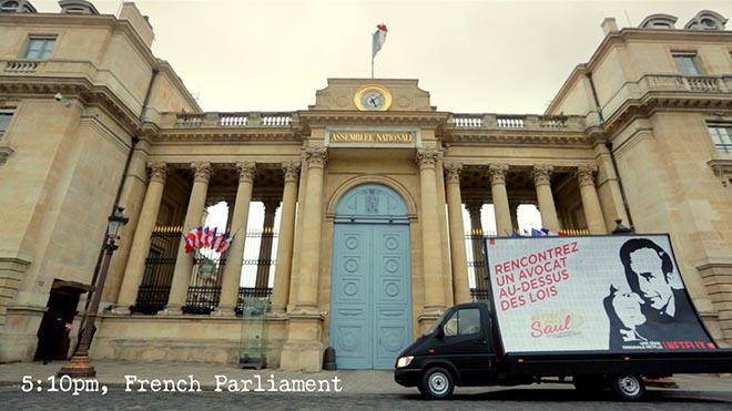 Netflix Saul in front of French Parliament