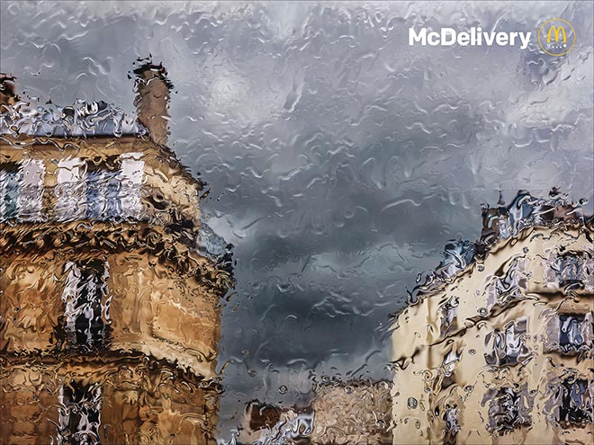 McDonalds France McDelivery print advertisement - rainy day