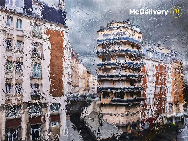 McDonalds France McDelivery print ad - Rainy Day