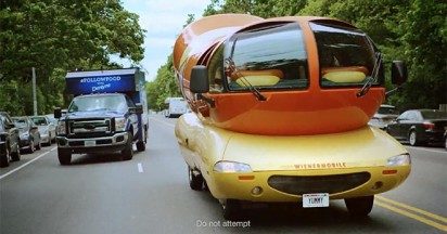 Dentyne Truck Follows Food