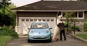 Nissan LEAF Polar Bear in the City